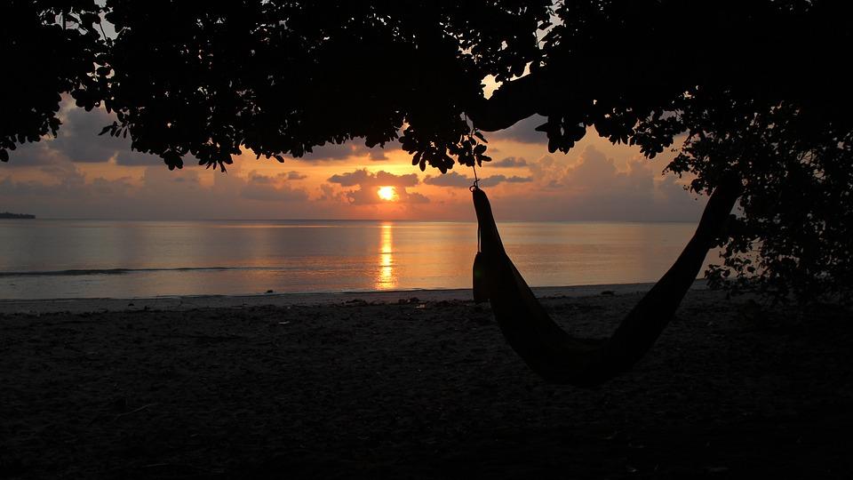 beach-sunset-1279245_960_720